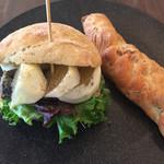 Blanc - オイルサーディンと小夏のサンドイッチとノワ