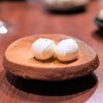 ラ・ルッチョラ - イタリア産水牛のモッツアレラチーズ、  オレンジのハチミツ風味