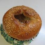 ヒカリパン - 料理写真:きんぴらごぼうパン160円。