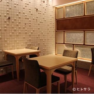 4名から最大20名まで利用できる個室は様々なシーンに対応
