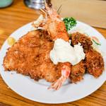とんかつ八千代 - 料理写真:鯵海老牡蠣フライ