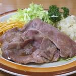 ミツワグリル - (豚)焼肉は薄切りロース肉が二枚