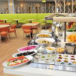レストラン ロレーヌ - 朝から夜まで全ての時間に、ビュッフェスタイルでの料理を提供