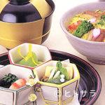 四季料理 右京 - 季節ごとのお料理を楽しめる