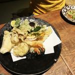 麺匠の心つくし つるとんたん - 天ぷら盛り合わせ