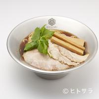 京都千丸 しゃかりき むらさき -  手間暇かけて作ったスープとこだわりの麺、トッピングの相性まで考え抜かれた自慢の一品です。