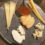 ピノコ - チーズ盛り合わせ