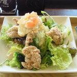 大戸屋 - 料理写真:鶏竜田揚げとポテトのねぎソースたっぷり野菜の定食 ¥850
