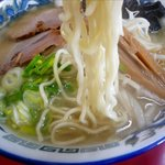 札幌ラーメン元祖自家製麺 王香 - 塩ラーメンの麺