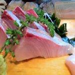 一福鮨 - ブリの刺身