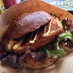トゥルー・ブルー - 大きくて 食べ応えのある バーガー (◍ ´꒳` ◍)b