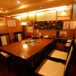 焼肉ホルモン佐々木家 - 当店テーブル席は全席半個室です