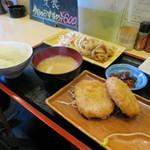 食事処 禅 - 料理写真:本日のお勧め、焼肉と厚切りハムカツ定食600円(内税)。