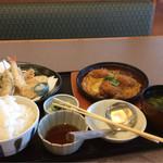 66419428 - カツとじ煮と天ぷら盛り合わせの定食