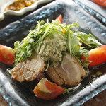 アジアンシーズン - 自家製焼き豚を使用した Asian Seasonサラダ