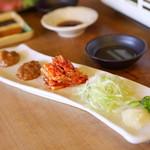 多来多来 - 野菜セット(にんにくスライス・みそ・白菜キムチ・しらがねぎ)