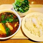 北海道バル ラベンダーキッチン - 鶏モモ肉のスープカレー