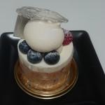66434400 - ふわっと食感で、こっくり風味豊かなレアチーズケーキ