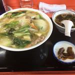 伊勢屋 - 料理写真:中華丼800円