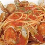 クロスロード - ボンゴレロッソ、トマトソースが美味しく、パスタの茹で加減も良い。