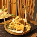 和食個室居酒屋 祇園邸 - 桜えびの天ぷら