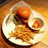 森のカフェひがしむきガーデンズ  - 料理写真:ランチの大仏バーガーはハーフサイズ