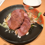 香憩楼 島人 - 牛タンの冷菜 ※肉厚もあり冷えていて美味しい