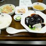ブーニーズ - ドルチェポルコの黒酢酢豚定食