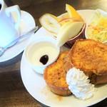 カフェ グランシャリオ - 料理写真:ドリンク代+100円でフレンチトーストモーニング