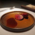 エクアトゥール - フランスシャラン鴨のロースト、オレンジソース
