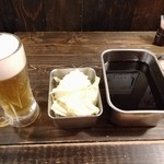 新世界じゃんじゃん横丁 串かつ 勝大 - ビールセット(串カツ6本+生ビール+キャベツ)