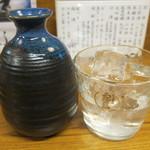 酒房 武蔵 - 茜霧島ロック(一合):たぶん400円