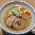 66459483 - 京都鶏ガラとんこつ 醬油らーめん 半熟煮玉子入