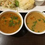 アロマズ オブ インディア - ダール豆とたまごカレー・シュリンプダムプク