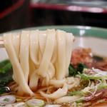宮きしめん - 麺リフト