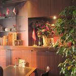 カフェラントマン - 素敵なコーナー・テーブル