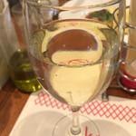 ロイヤルガーデンカフェ - 昼飲み、白のグラスワイン