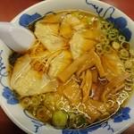 66469383 - ワンタン麺(醤油)820円