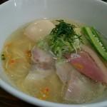 真鯛らぁー麺 日より - 料理写真:日より藻塩