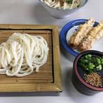 すえ宏 - 料理写真:ざるうどん(*゚∀゚*)400円