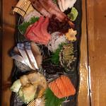 次郎 - 魚介8点盛