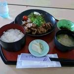 神田山荘レストラン - 生姜焼き定食