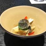 イチリン ハナレ - サザエと中華クラゲの前菜