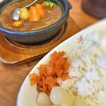 66485527 - 牛すじ野菜カレー(辛口・大盛)!