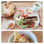 うさカフェ しあわせ うさぎ - しあ♡うさ限定ランチ スープのパスタも うさちゃん(販売もしています) 1,180円