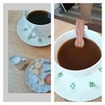 うさカフェ しあわせ うさぎ - ランチにセットの徳光珈琲(HOT) シュガーもうさちゃん スプーンのうさちゃんお風呂に浸かっているみたい