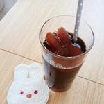 うさカフェ しあわせ うさぎ - ランチにセットの徳光珈琲(ICE)氷もうさちゃん