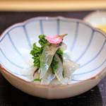 66492017 -  千葉県銚子のサヨリの昆布〆の菜種和え 吉野酢