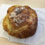 ブーランジェリー マナベ - 料理写真:チーズブレッド