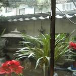 665009 - 個室の中庭